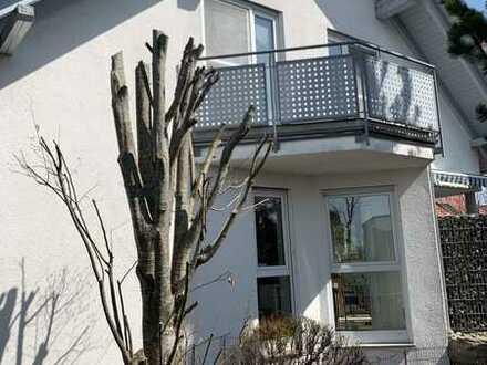 Großes und gepflegtes Haus mit neun Zimmern und EBK in Erlenmoos