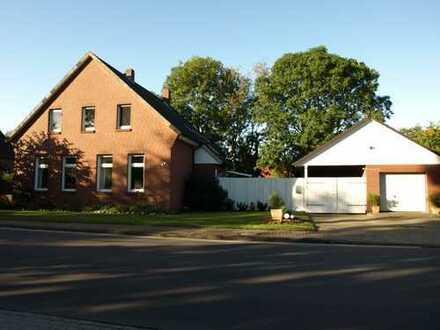 Großes Einfamilienhaus Im Herzen von Stollhamm!