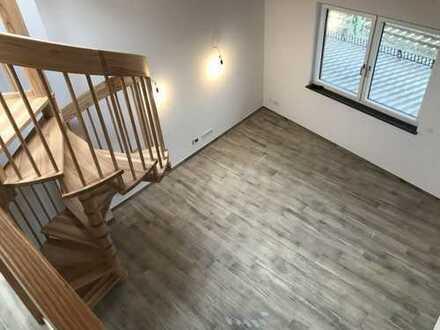 Nr. 22 Wunderschöne 3 Zimmer Galeriewohnung mit Holz Sichtdachstuhl