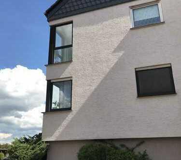 Schöne, helle, geräumige drei Zimmer Wohnung in Dortmund, Dorstfeld