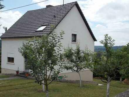 Wohnhaus mit Pool und herrlicher Fernsicht in Waldrandnähe von Blieskastel