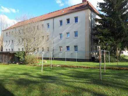 Günstige 2-Zimmer-Hochparterre-Wohnung in Eisenberg
