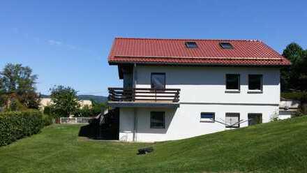 Großzügiges allein stehendes Einfamilienhaus mit sieben Zimmern, Sauna, großer Garten, Balkonen