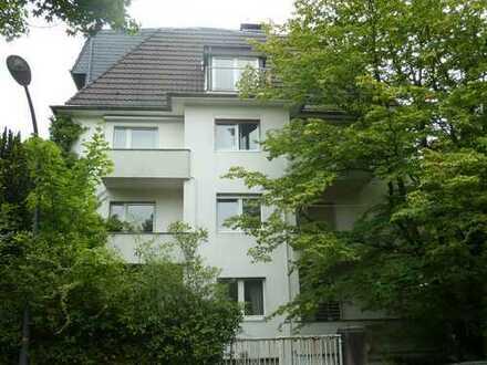 Großzügige 6-Zimmer-Wohnung in Top Lage sucht WG für Zeitmietvertrag