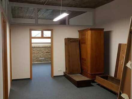 Moderne Bürofläche mit Loft-Charakter