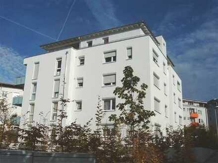 Top gepflegte und neuwertige Wohnung mit guter Ausstattung zu vermieten!