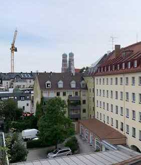 ERSTBEZUG NEUBAU PENTHOUSEWOHNUNG über zwei Stockwerke mitten in München