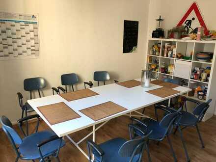 Möbiliertes Zimmer in netter 7er WG, zentral, 10 min zu KIT