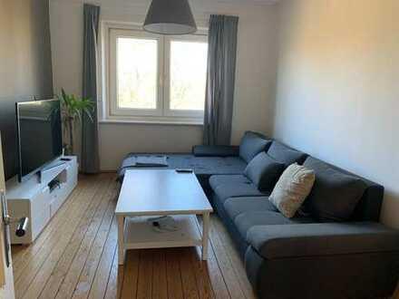Sonniges Zimmer in schöner Altbau-WG im Hamburger Norden