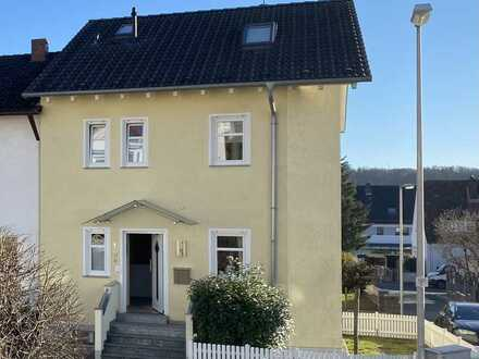 Gepflegte 5-Zimmer-Doppelhaushälfte mit Einbauküche in Haibach, Haibach