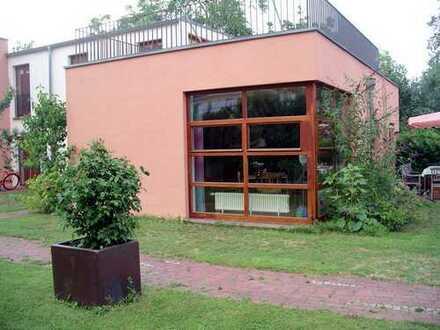 Ruhige, großzügige 2-Raum-Wohnung im grünen Innenhof. P, Babelsberg N