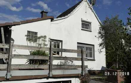 Schönes, geräumiges Haus mit individuellem Charme in Solingen, Widdert