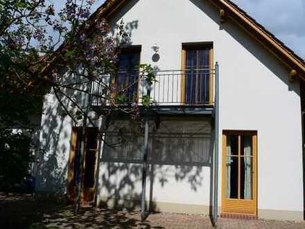 Schönes Galeriehaus mit Garten in ruhiger Lage, Nähe Landau, Anbindung B272/ A65