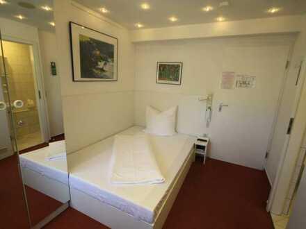 Zimmer mit eigenem Bad und mit oder ohne Küchenzeile/Terrassenzugang