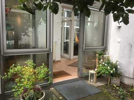 Moderne Atriumwohnung in ruhiger, gepflegter Wohnanlage