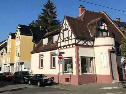Sehenswertes Wohn- und Geschäftshaus in Bestlage von Feudenheim!