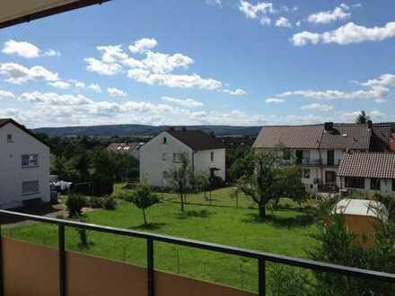 Schöne, helle und ruhig gelegene 4-Zimmer Wohnung in Sulzbach am Main