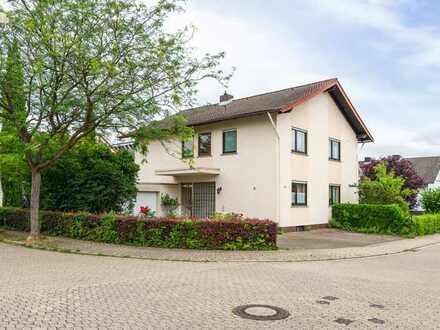 Attraktives Ein- bis Zweifamilienhaus mit großzügigem Grundstück zum Kauf in Winzenheim