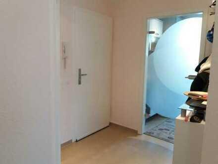 Stilvolle, modernisierte 3-Zimmer-Wohnung mit großer Terasse in Dottendorf
