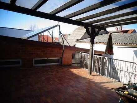 4 Zimmer Wohnung mit Einbauküche und großer Dachterrasse