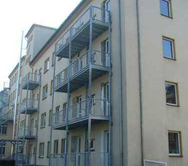 **3-Raum Wohnung mit Balkon im Erdgeschoss**