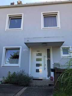 Gepflegtes, geräumiges Haus mit fünf Zimmern in Augsburg, Hochzoll