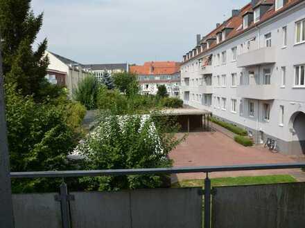 Liebevoll kernsanierte Wohnung am Rande des Villenviertels