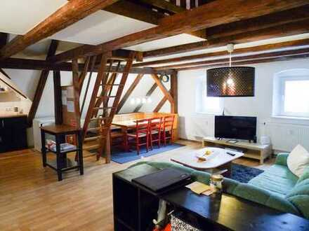 Moderne Dachgeschoss- Wohnung mit Galerie