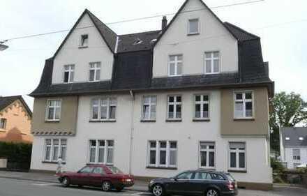 Kernsanierte 3 Zimmer Wohnung in ansprechendem Altbau in guter Lage