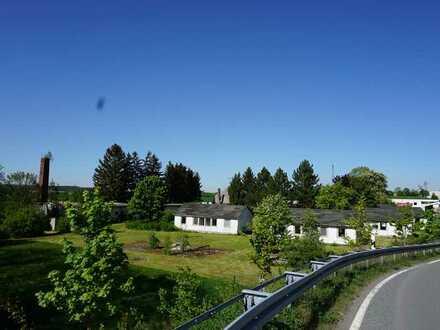 8500 m² Großes Grundstück mit vielen Gebäuden, ebenerdig auch wohnen möglich
