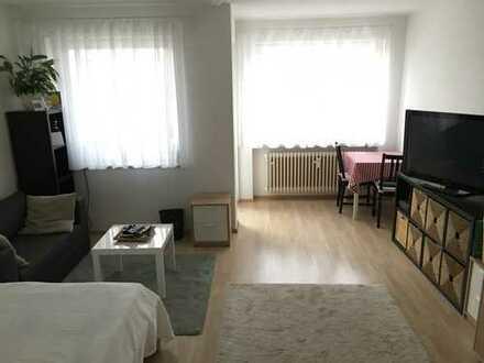 Helle 1-Zi. Wohnung mit Balkon, EBK, Garage in Gilching sucht Nachmieter