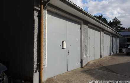 Garage auf kleinen Gewerbehof
