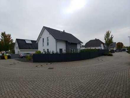 Neues Einfamilienhaus in ruhiger, sonniger Lage