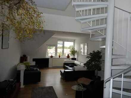 Modernisierte Maisonette-Galerie-Wohnung mit Dachterrasse und Einbauküche in Worms