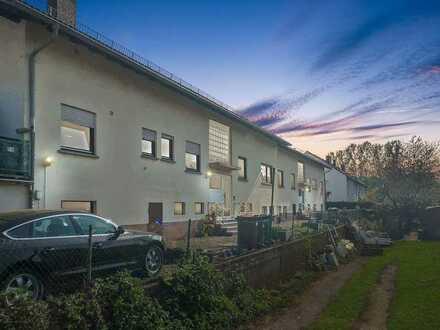 Helle 2-Zimmerwohnung mit Balkon und PKW-Stellplatz.