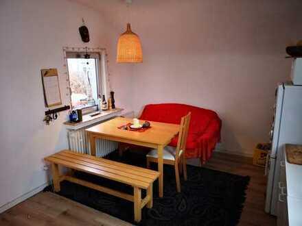 2 Zimmer mit Wohnküche und grossem Balkon in ruhiger Lage, auch für Hundefreunde, befristet
