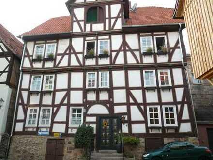 Großes vermietetes Fachwerkhaus als Kapitalanlage innerorts von Felsberg