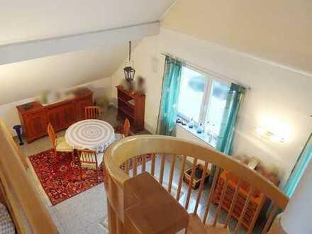 Wunderschöne 5 - 6 ZKB Maisonettewohnung mit Garten und Garage im 3 - Familienhaus