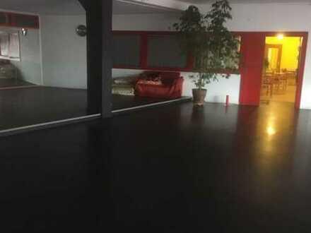 Ladenlokal/Ausstellungsfläche/Bürofläche im Erdgeschoss