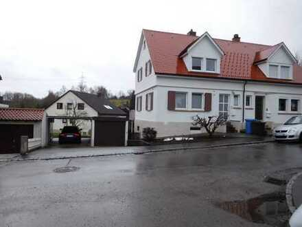 Renovierte Doppelhaushälfte (3 Zimmer)
