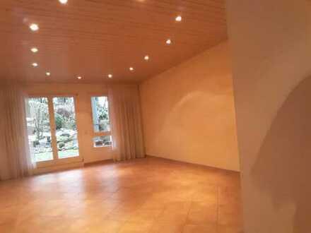 Gepflegte 3-Zimmer-Wohnung mit Terrasse und EBK in Böblingen