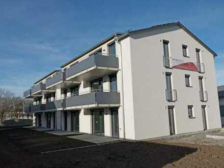 NEUES WOHNEN BEIM HALLENBAD! 2-Zi.-Erdgeschosswohnung mit Süd-Terrasse und Garten in Weingarten