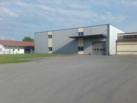Moderne Lagerhalle, Bj.2004,2000m², 2- geschossig mit Aufzug,Rolltor und Schleuse für Be-Entladung