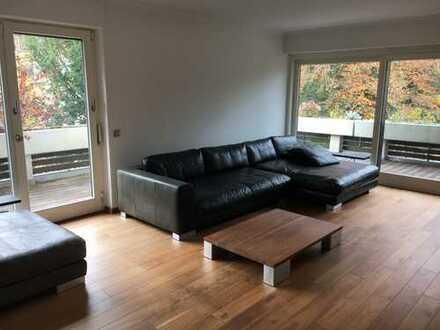 Schicke teilmöbilierte 3 Zimmer Wohnung in Harlaching-Menterschwaige