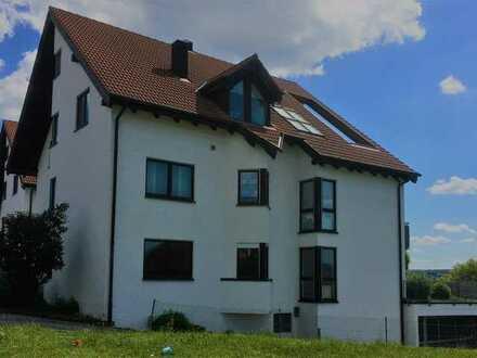 Sonnige 3-Zimmer-Wohnung im Erdgeschoss mit Terrasse und Garten!!