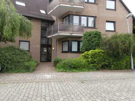 Hannover-Ahlem - großzügige 3-Zimmer-Wohnung mit Loggia und Tiefgaragenstellplatz