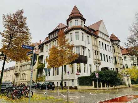 *reserviert* Residieren in Gründerzeitvilla mitten im Waldstraßenviertel - geräumige 5 Raum-Wohnung
