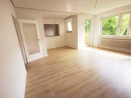 Erstbezug nach Sanierung: Helle 3-Zi.-Wohnung mit EBK und Balkon