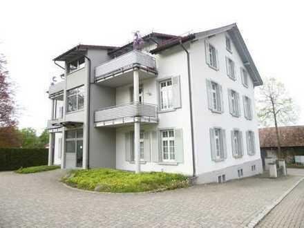 Helle 4 - Zimmer - Wohnung mit Balkon und integrierter Wohnküche