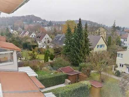 Vollmöbliertes Studio Apartment mit großem Balkon und Weitblick in Sindelfingen, inkl. TG-Stellplatz